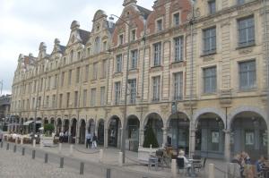 Arras, place des Héros,location, vacances, Pas-de-Calais, Côte d'Opale, maison, gîte, appartement, weekend, midweek, semaine, last minute
