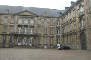 Arras, abbaye Saint-Vaast, location, vacances, Pas-de-Calais, Côte d'Opale, maison, gîte, appartement, weekend, midweek, semaine, last minute